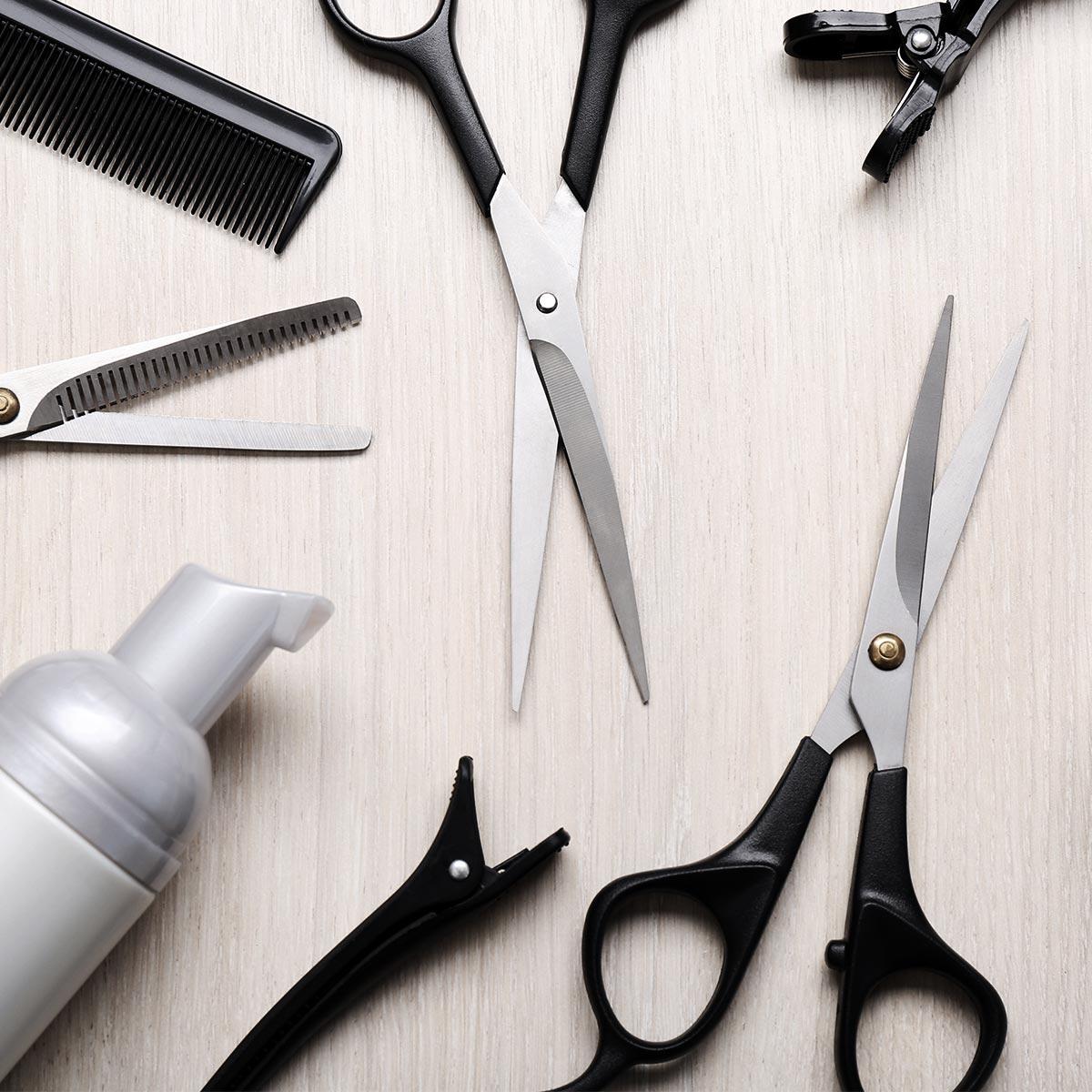 Friseur Handwerkzeuge auf einem Tisch
